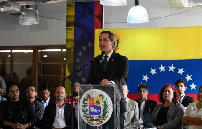 Juan Guaidó más