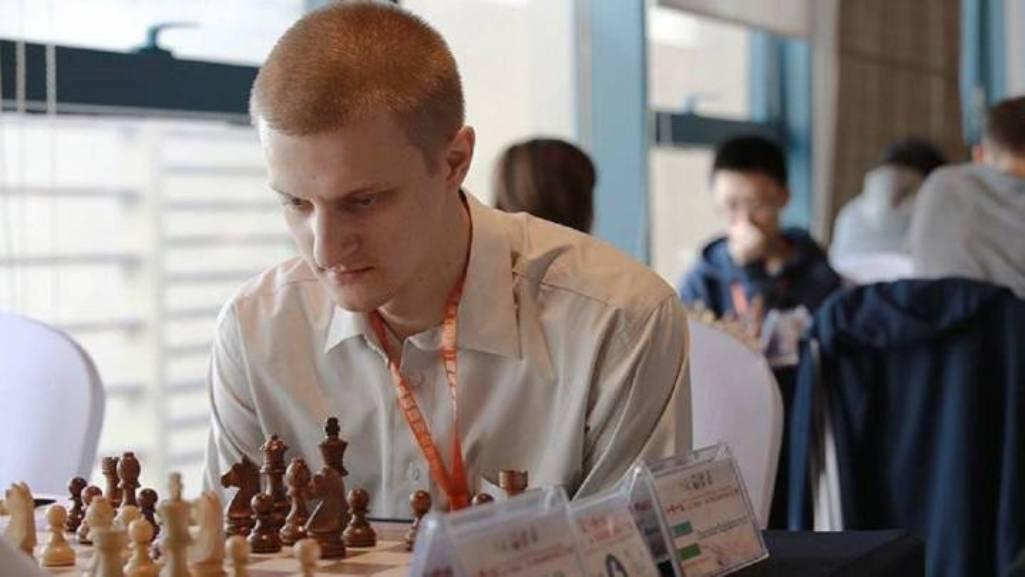 Pareja ajedrecista ucraniana muere a causa del gas de la risa