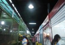 Compra de alimentos en Cúa