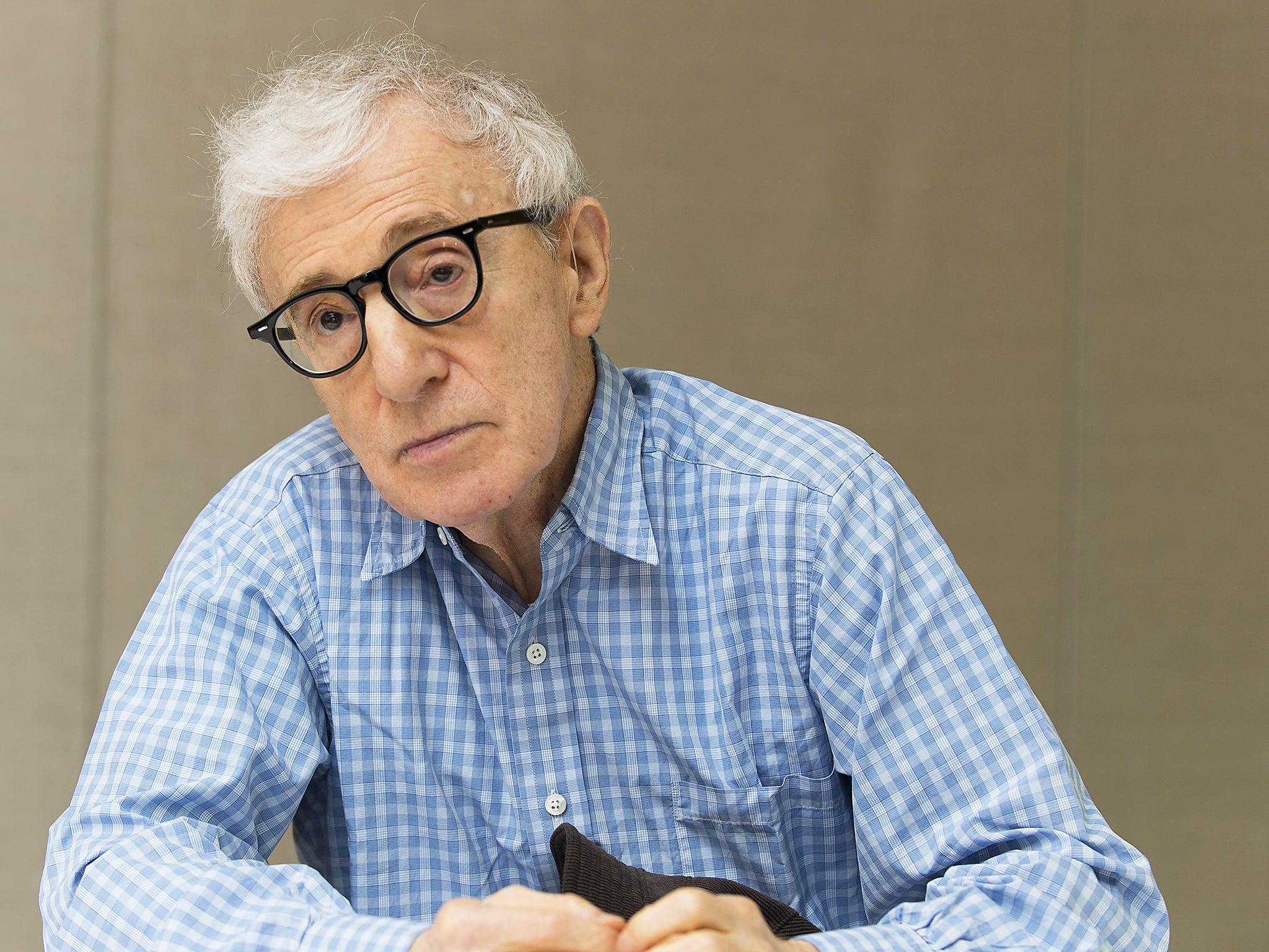 Woody Allen publica sus memorias sin avisar y con nueva editorial