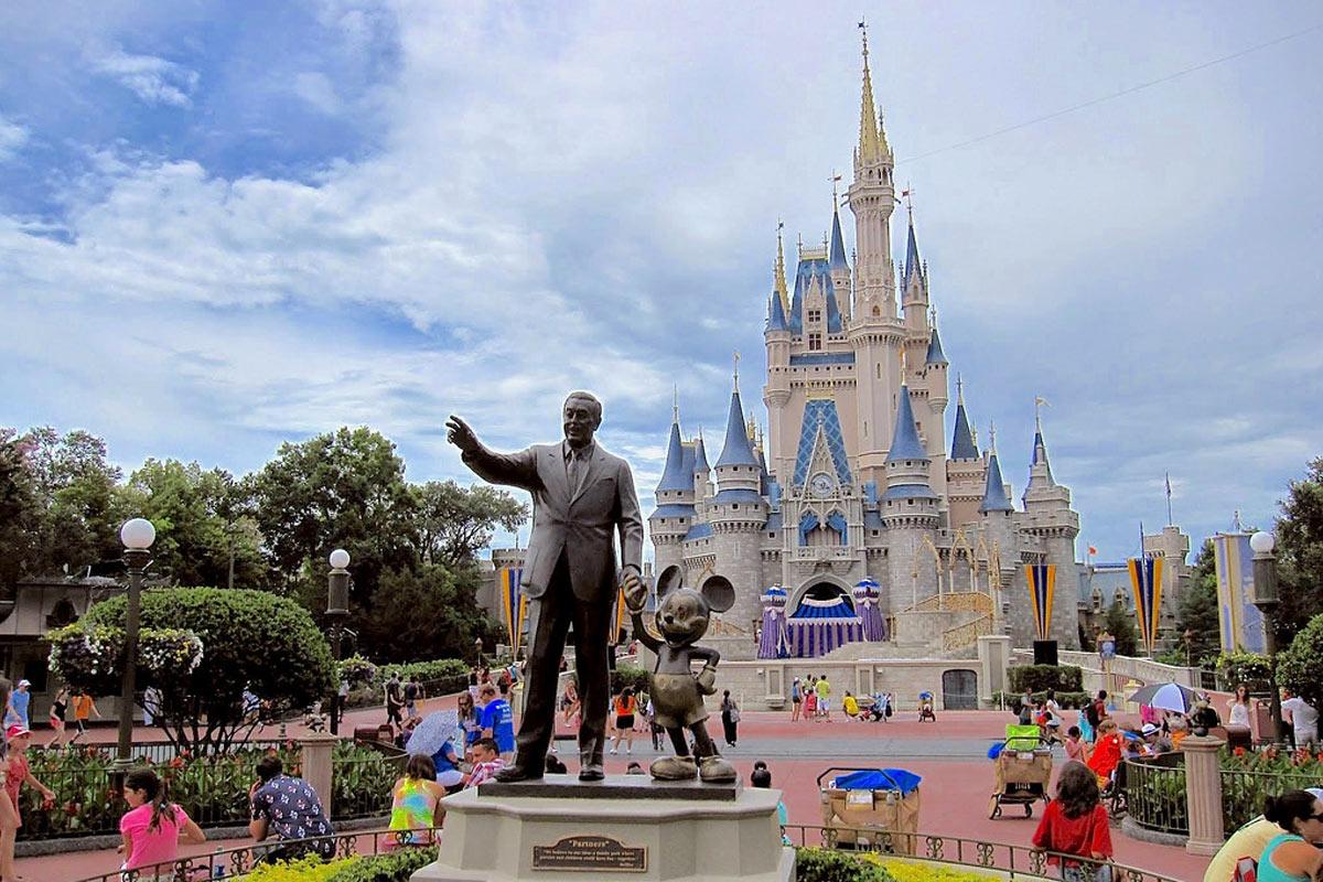 Empleados de Disney se quedan sin sueldo debido al coronavirus