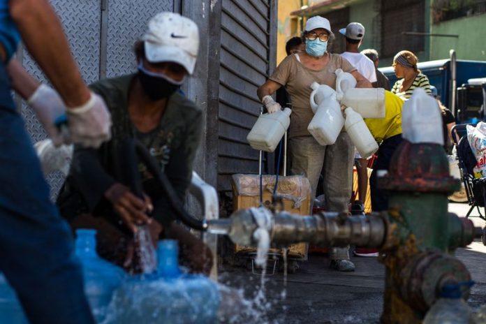 Vecinos de La Pastora protestan por tener más de 30 días sin agua