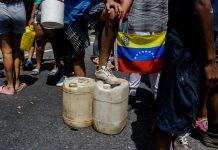 Cerrada la vía hacia Terrazas del Ávila ante protesta por falta de agua