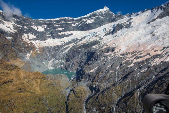 Glaciar en Nueva Zelanda perdió hielo casi equivalente a volumen de agua potable que usan residentes del país