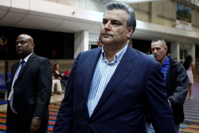 Embajador España maletas