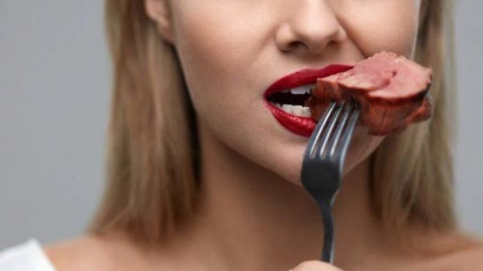 Consumo de carne: ¿es natural que los humanos la incluyamos en nuestra dieta? 113236109_gettyimages-949524660-696x391