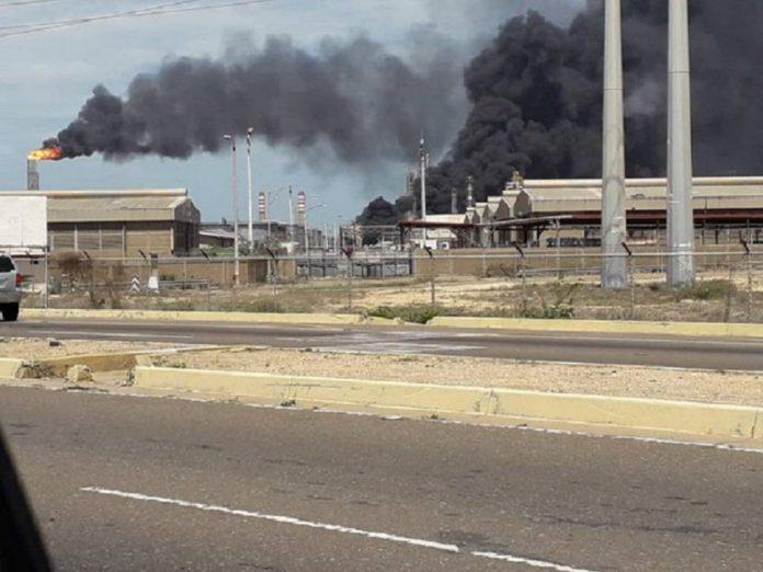Incendio en la Planta Catalítica de refinería El Cardón generó alarma