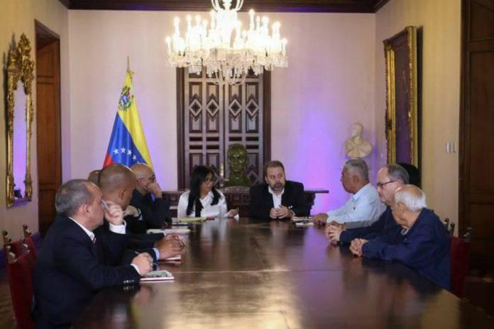 Mesa de diálogo suspender parlamentarias