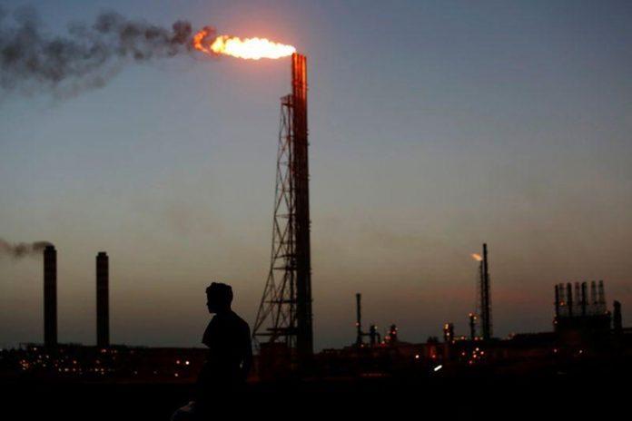 Gasolina en refinería Cardón; El Palito