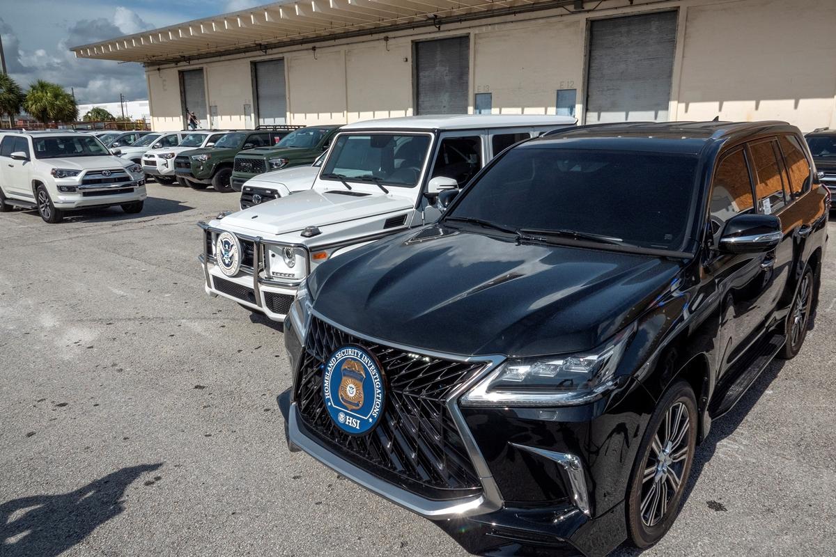 Confisca 81 vehículos que iban a ser enviados a Venezuela