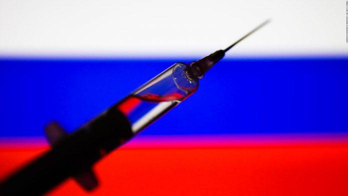 Maduro cambió de opinión y el personal sanitario será el primero en recibir la vacuna rusa