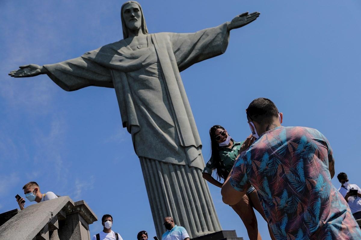 Brasil reabre Cristo Redentor pese a aumento de la Covid-19