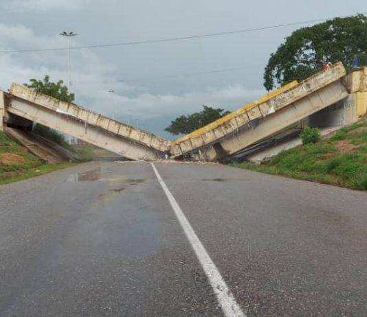 Se desplomó distribuidor de Cantaura en la carretera Barcelona-El Tigre