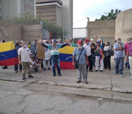 Trabajadores petroleros protestaron en Maracaibo para exigir el pago de su fondo de pensiones